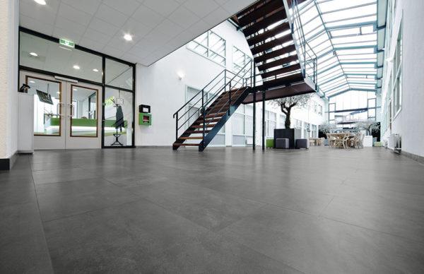 carrelage gubi anthracite aspect beton par living ceramics