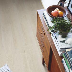 chêne delavé clair revêtement pour sol en vinyl pergo