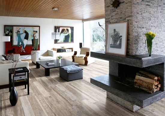 carrelage cortex grey pour intérieur aspect bois par sant'agostino