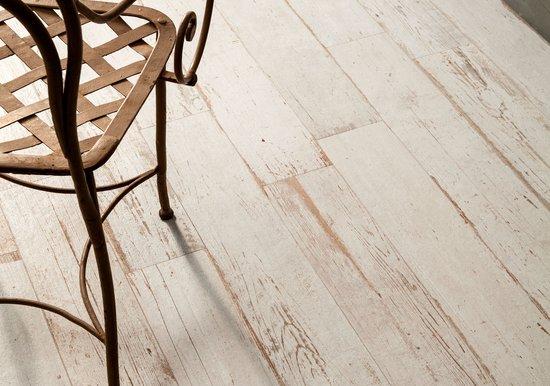 carrelage blentart white pour intérieur aspect bois par sant'agostino